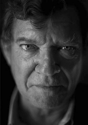 Photo of Robert Hughes by Australian photographer, Julian Kingma -www.kingmaandkingma.com